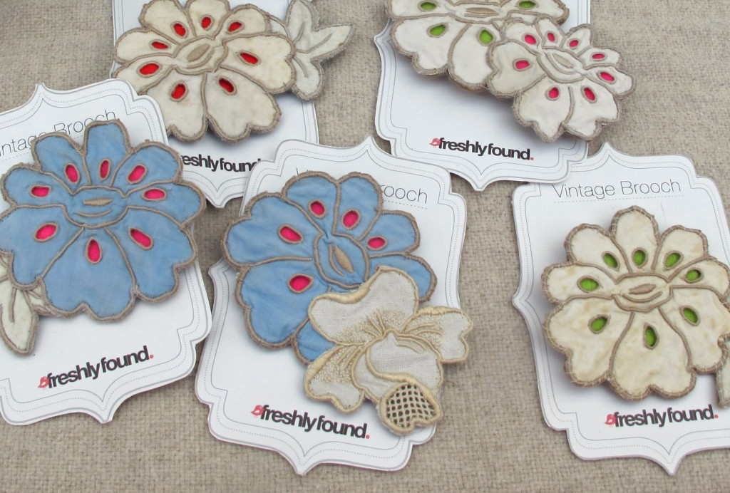 Vintage Embroidery Linen Brooches with pin