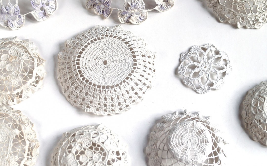 Bowls from recycled crochet cloths