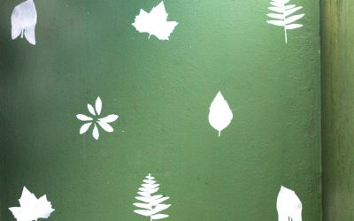 Garden Wall Stencil – DIY Bright Leaf Pattern