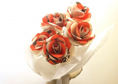 Bright rose posy