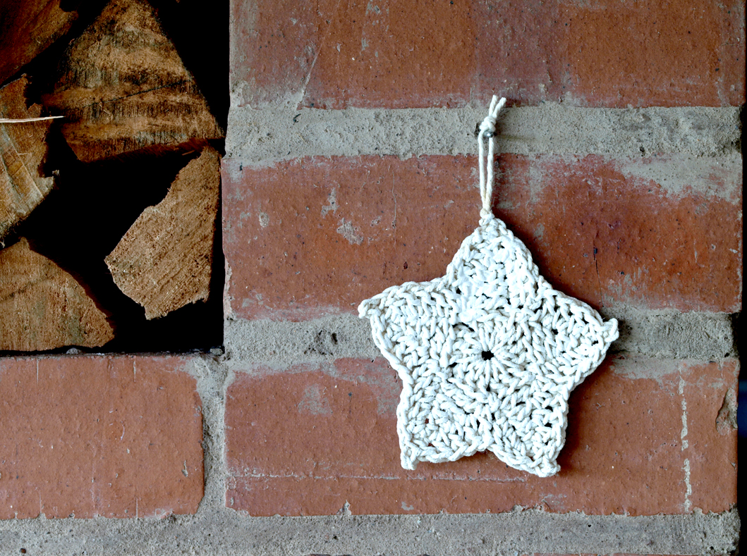 Crochet Stars - Broad Border in the same colour